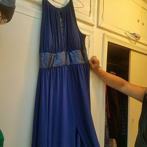 16 W Beautiful Blue Floor length Gown